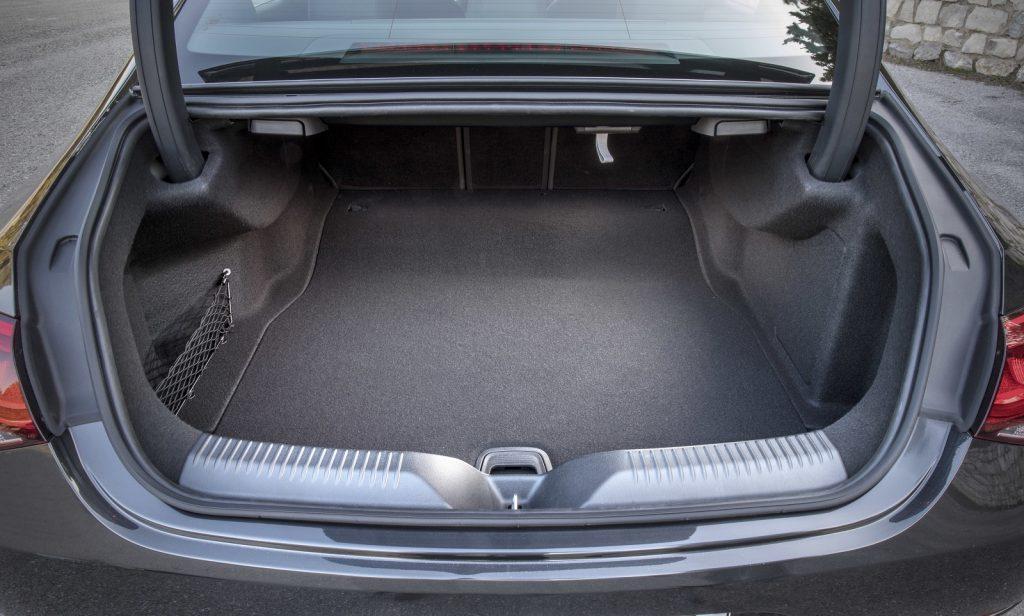 Новый Mercedes-Benz CLS, багажник