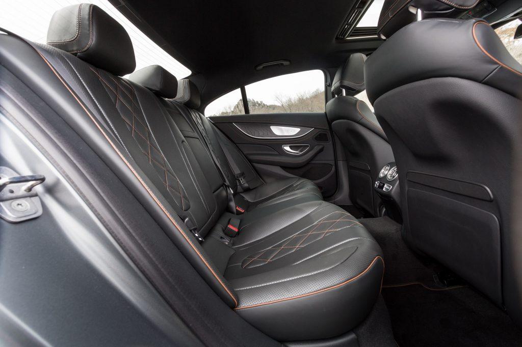 Mercedes-Benz CLS 2018, задние сиденья