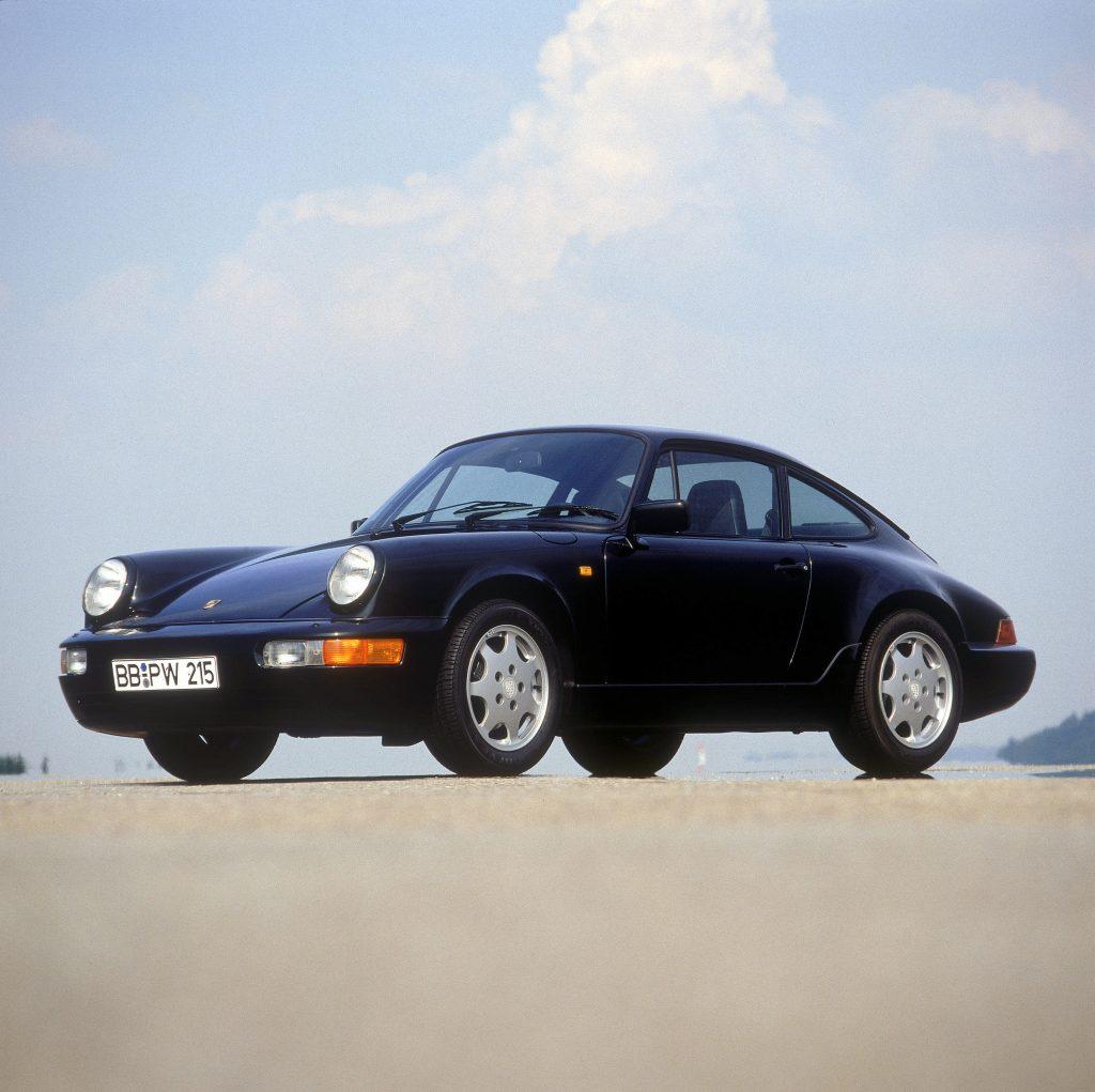 Полноприводной Porsche 911 Carrera 4 1988 года
