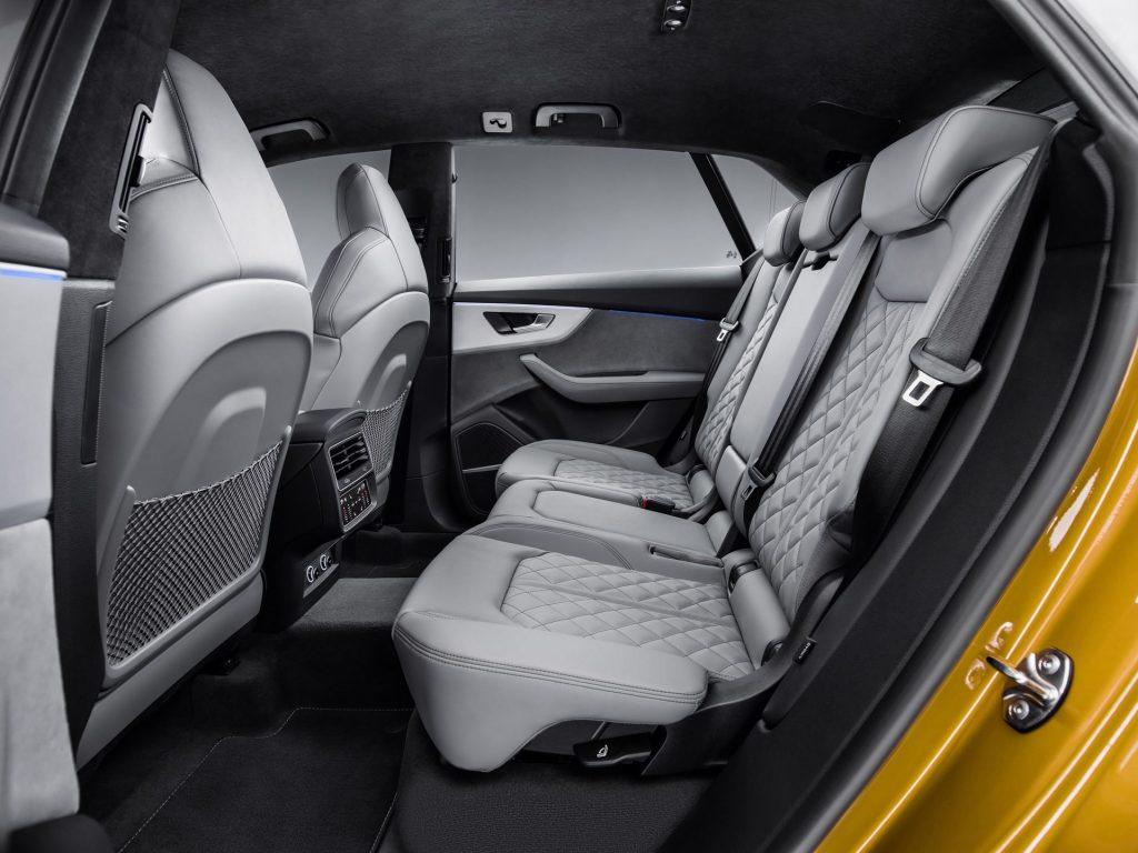 Audi Q8, задние сиденья