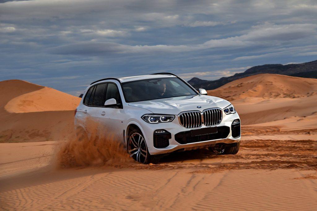 BMW X5 2018, вид спереди