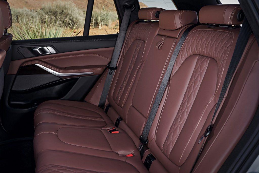 Новый BMW X5, задние сиденья