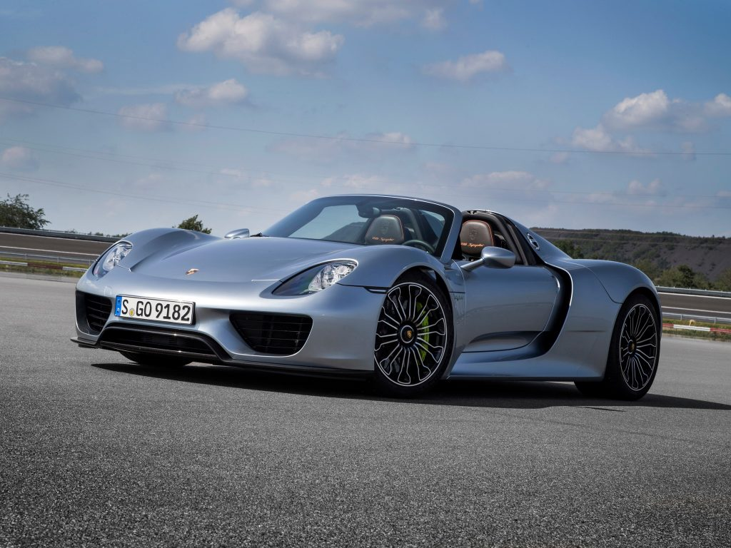 Porsche 918 2014 года