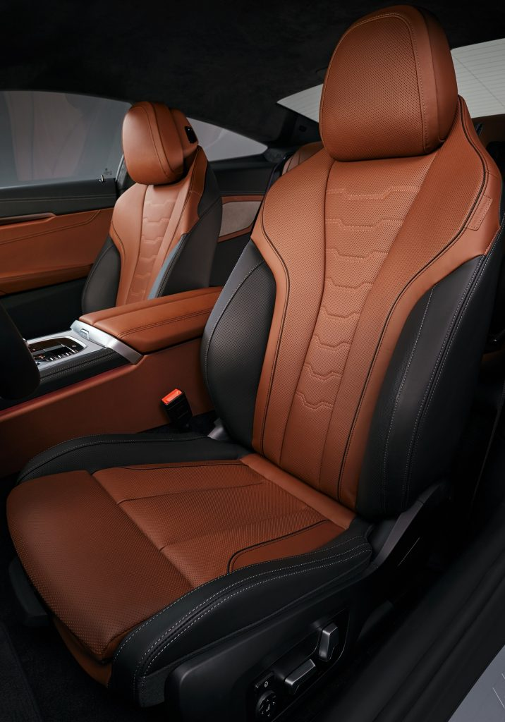 Новый BMW 8 Series, передние сиденья