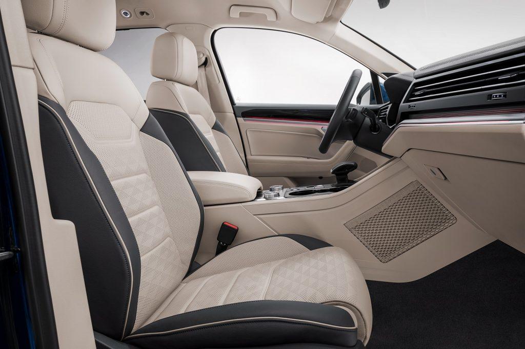 Volkswagen Touareg, передние сиденья