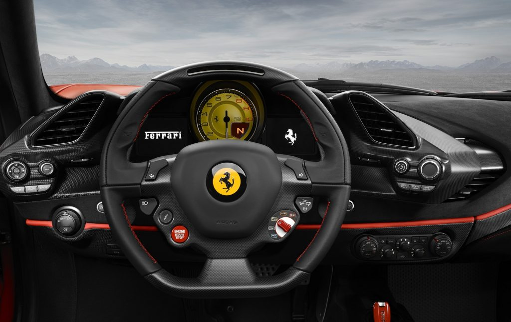 Ferrari 488 Pista, передняя панель