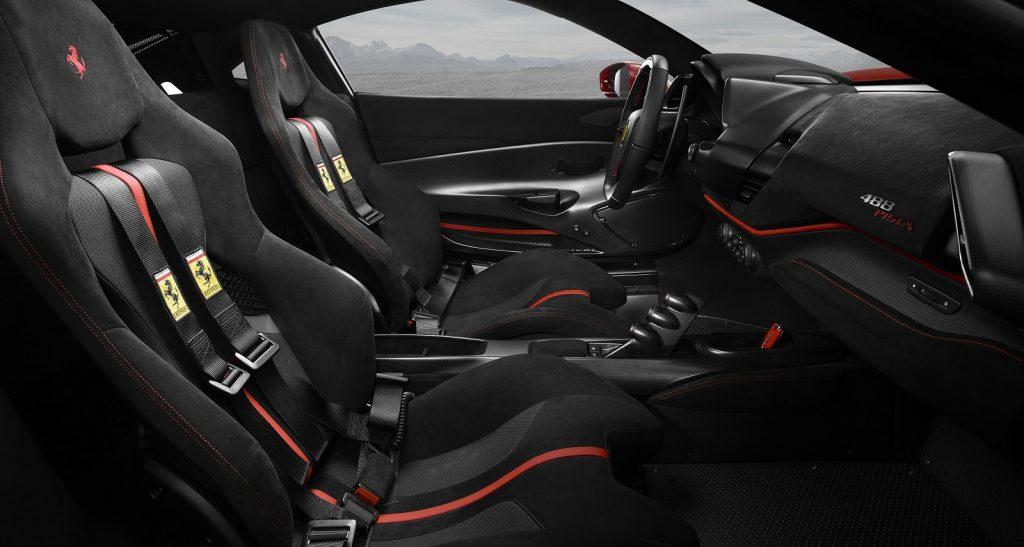 Новый Ferrari 488, сиденья