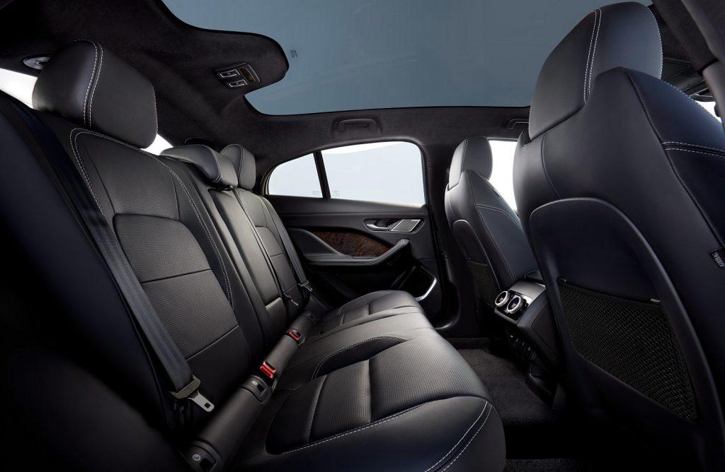 Jaguar I-Pace 2018, задние сиденья
