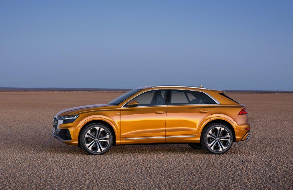 Audi Q8 2018, вид сбоку