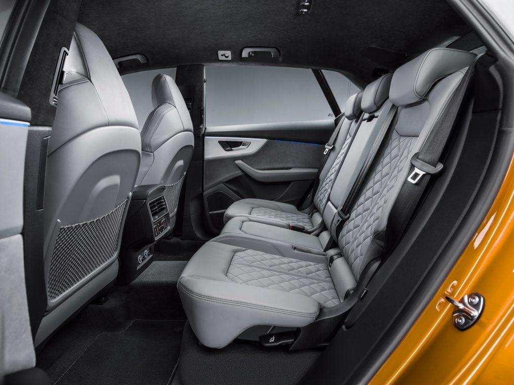 Audi Q8 2018, задние сиденья