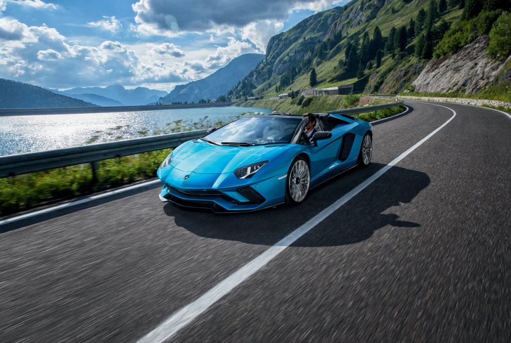 Lamborghini Aventador S Roadster, вид спереди