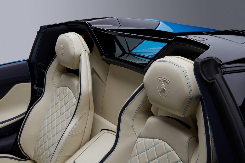 Lamborghini Aventador S Roadster, сиденья