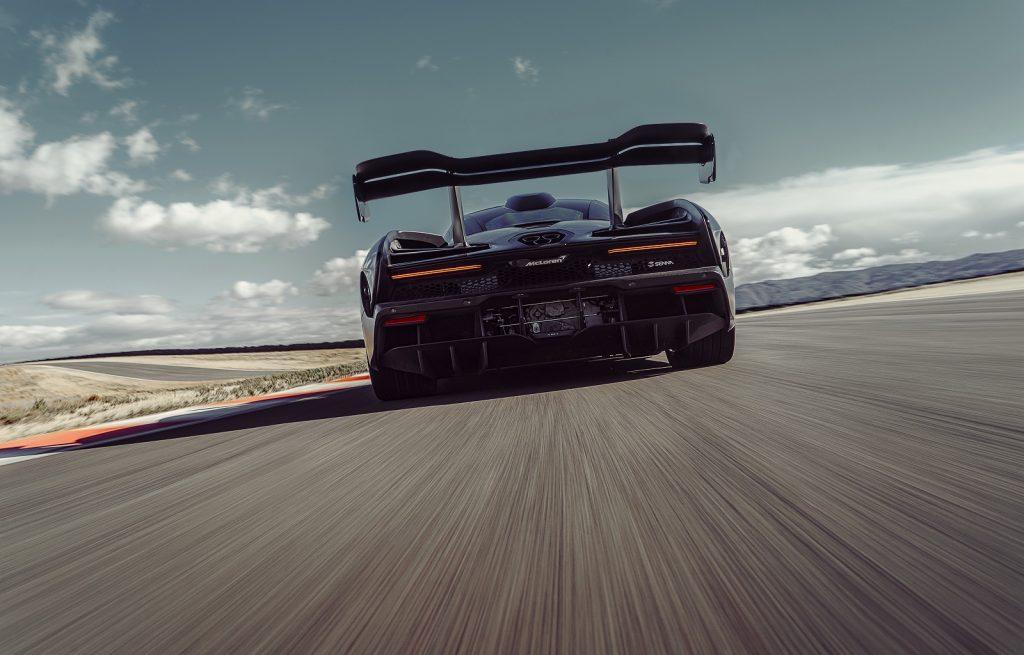 Новый McLaren Senna, вид сзади
