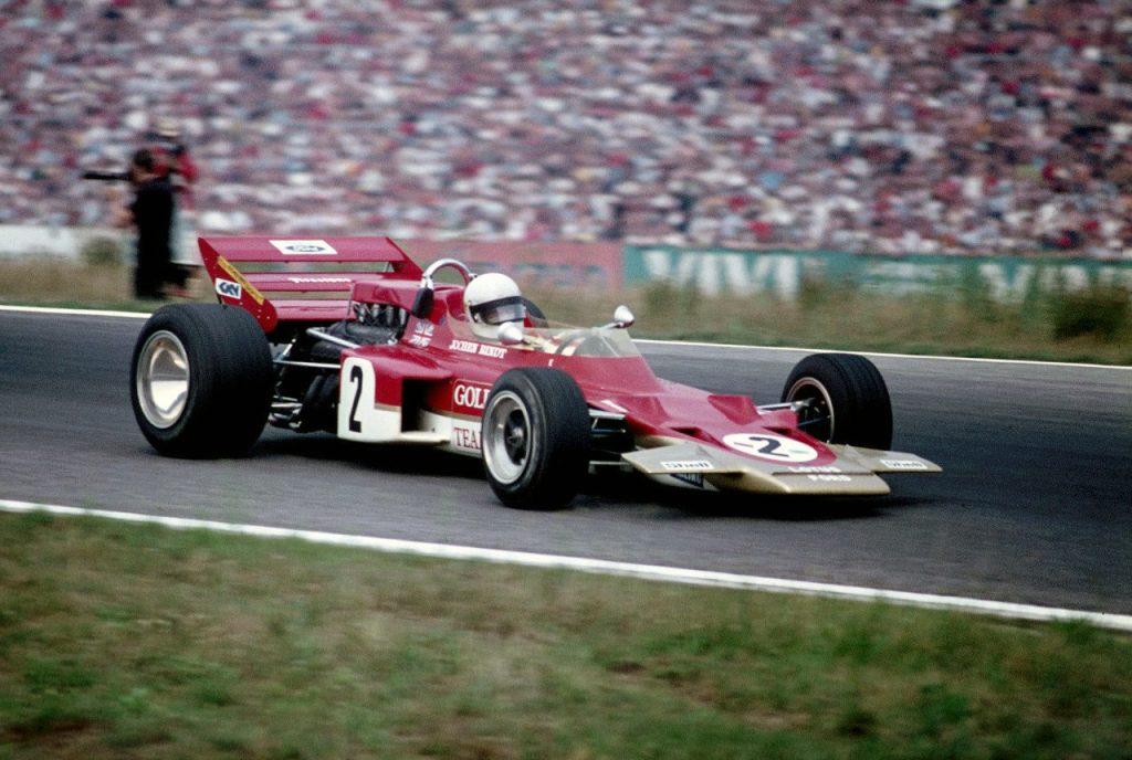 Клиновидный Lotus 72 1970 года