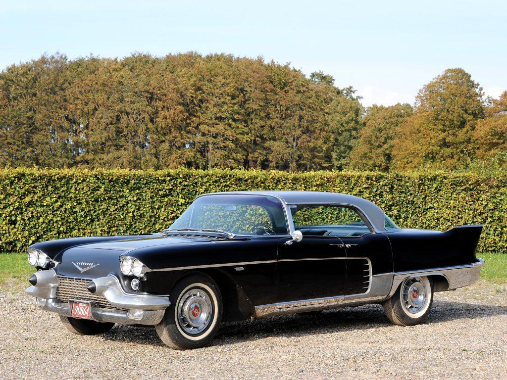 Седан Cadillac Eldorado Brougham 1957 года