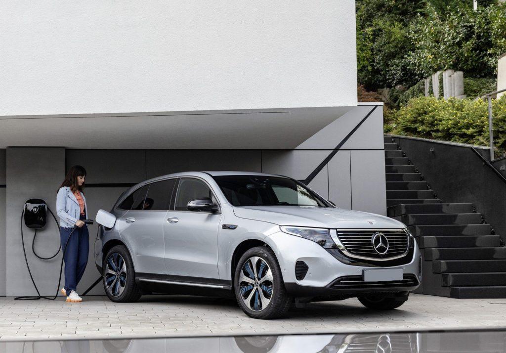 Mercedes-Benz EQC, подзарядка