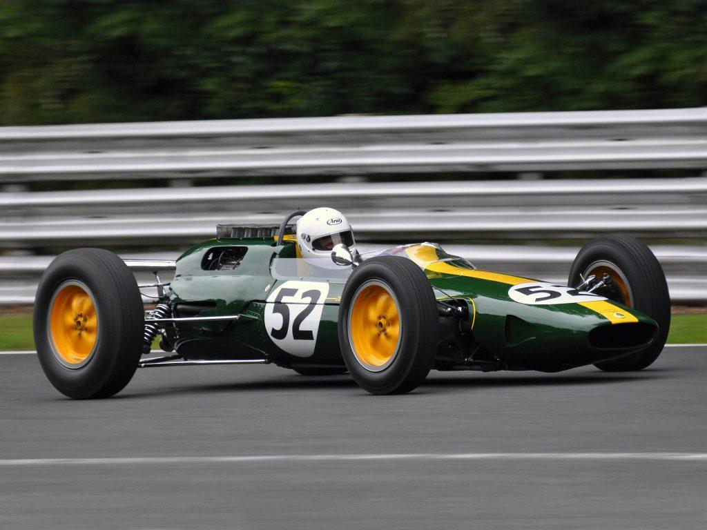 Lotus 25 принес первый чемпионский титул в Формуле-1