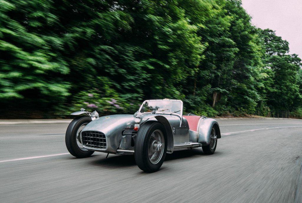 Lotus 7 принес известность молодой компании