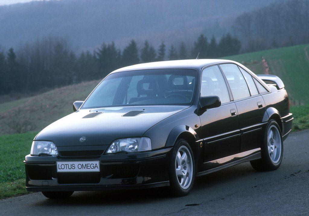 Lotus Carlton - заряженный вариант Opel Omega