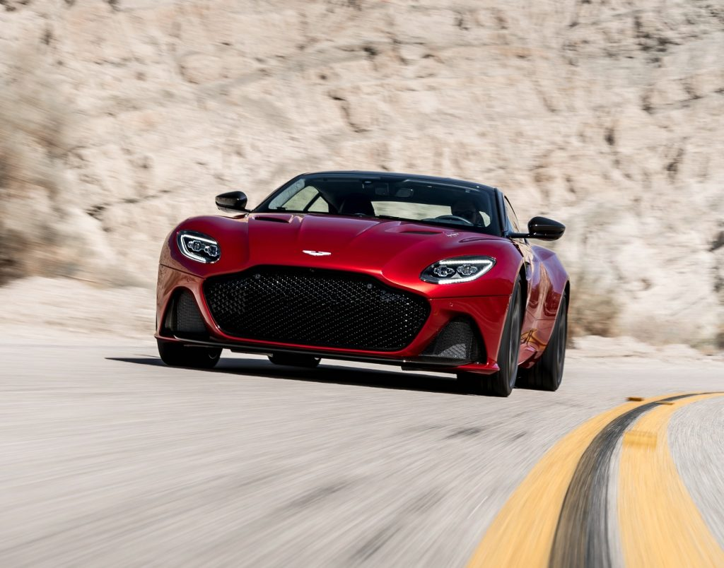 Aston Martin DBS Superleggera, вид спереди