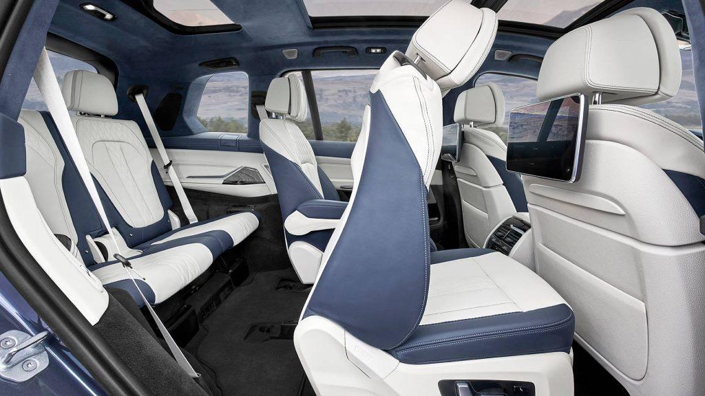 BMW X7, задние сиденья
