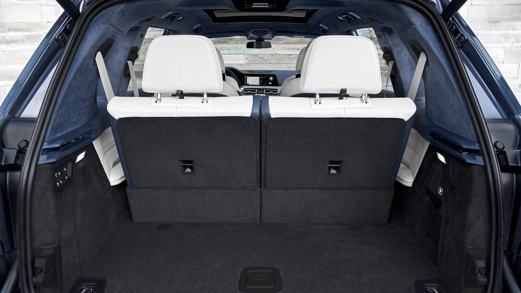 BMW X7 2019, багажник