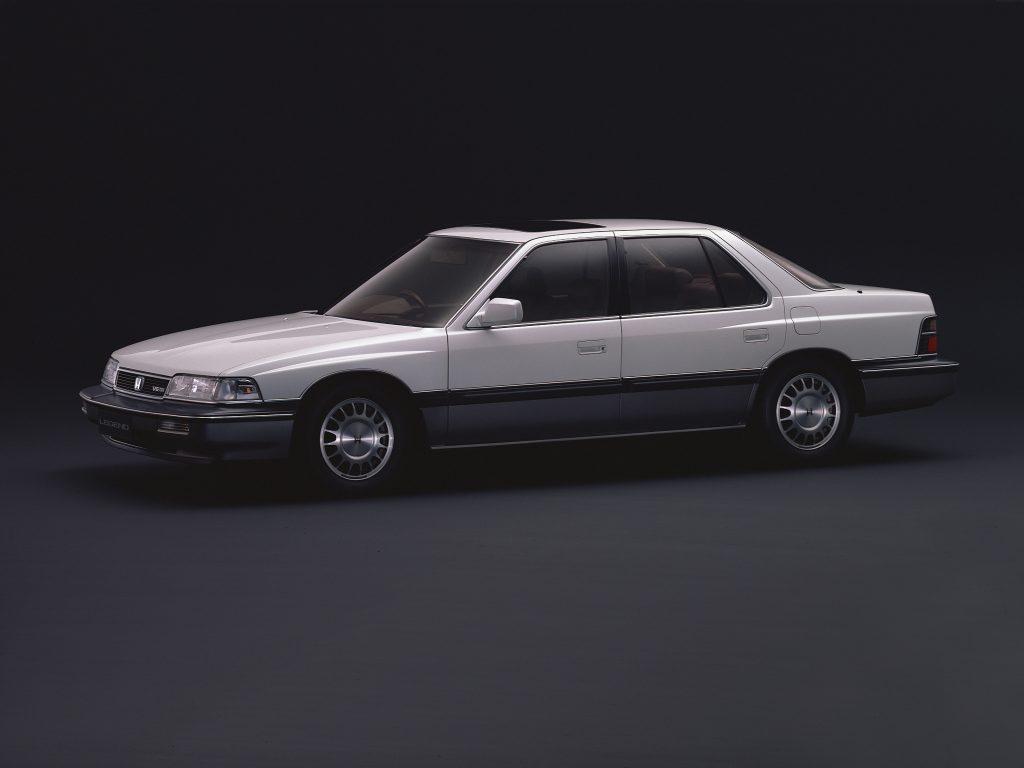 Honda Legend 1985 года в ряде стран продавали как Acura
