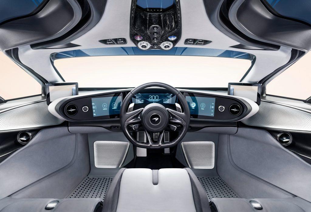 Новый McLaren Speedtail, передняя панель