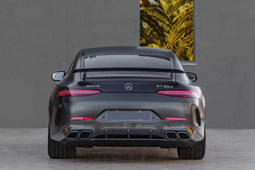Новый Mercedes-AMG GT 4-Door, вид сзади