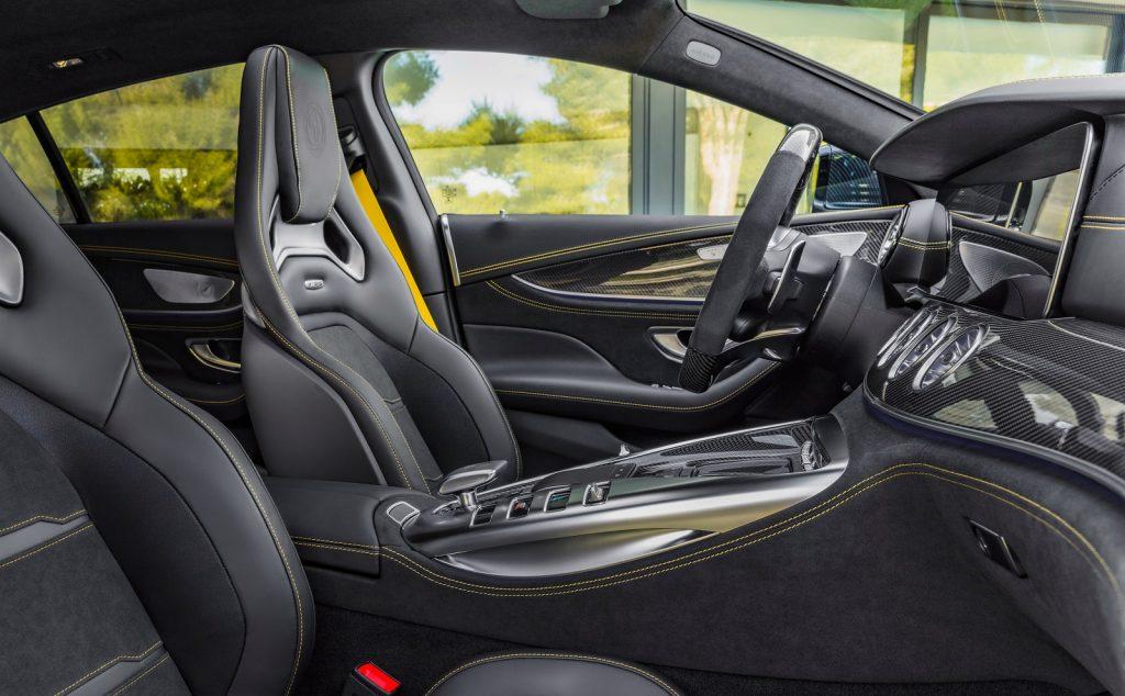 Mercedes-AMG GT 4-Door, передние сиденья