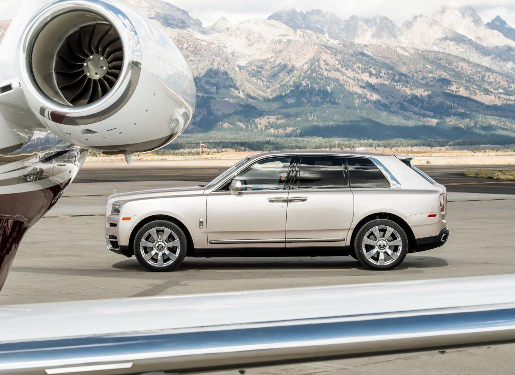 Rolls-Royce Cullinan 2018, вид сбоку