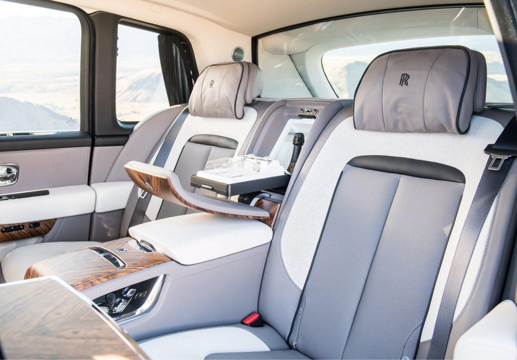 Rolls-Royce Cullinan, задние сиденья