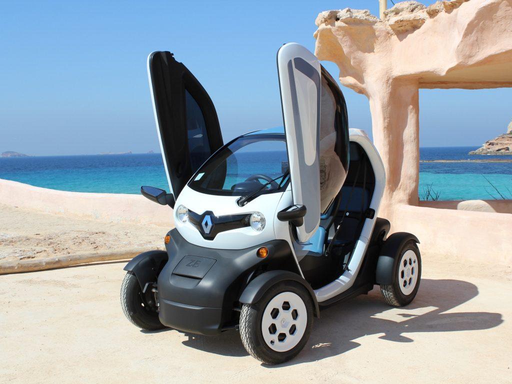 Электромобиль Renault Twizzy 2012 года