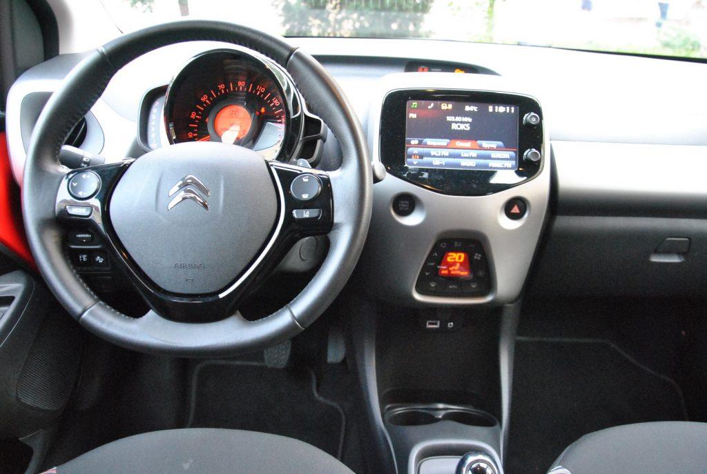 Новый Citroen, передняя панель