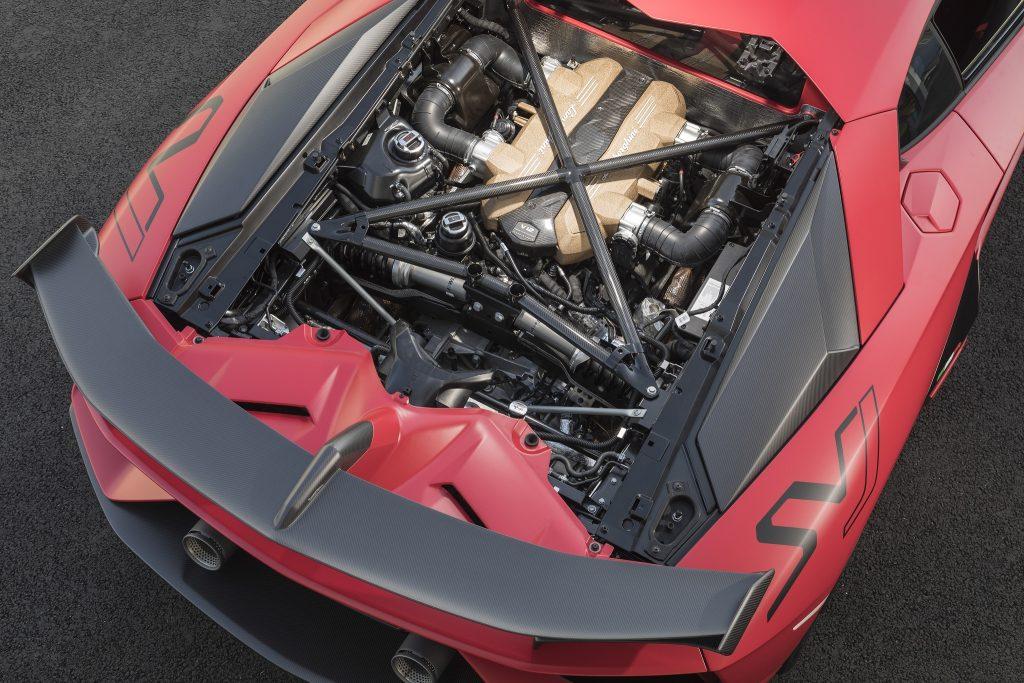Lamborghini Aventador SVJ 2018, двигатель