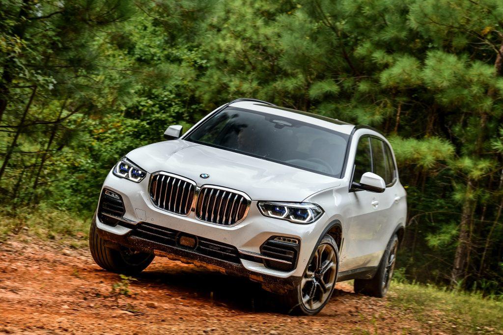 BMW X5 2019, вид спереди