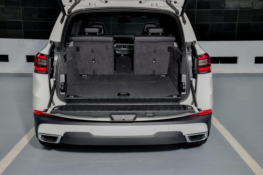 BMW X5 2019, багажник