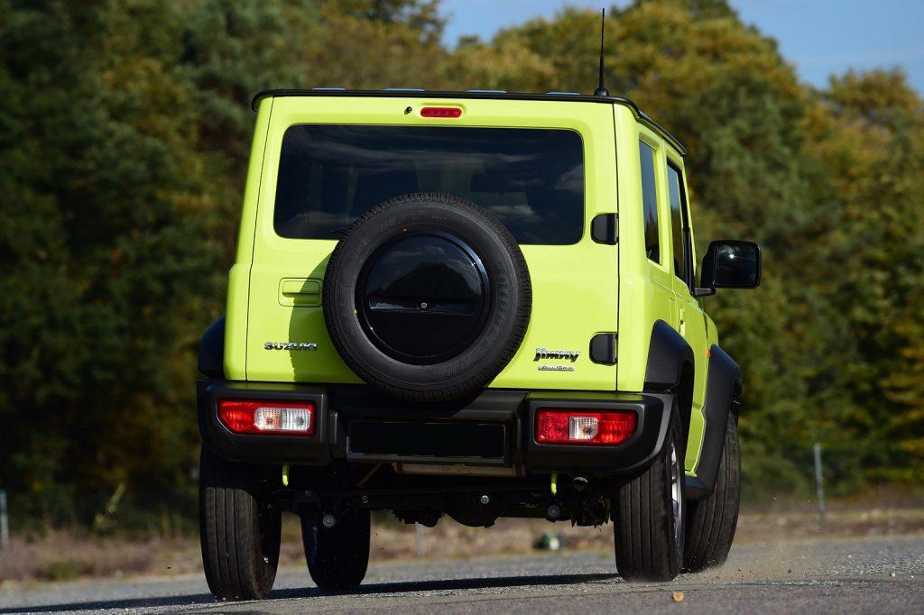Suzuki Jimny 2018, вид сзади