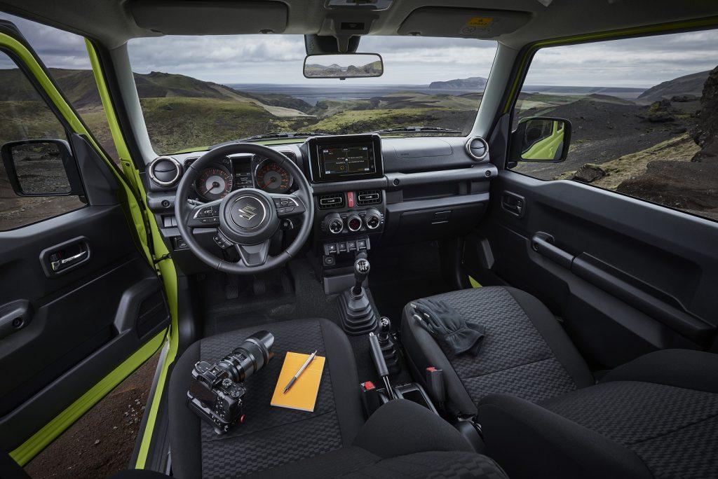 Новый Suzuki Jimny, передняя панель