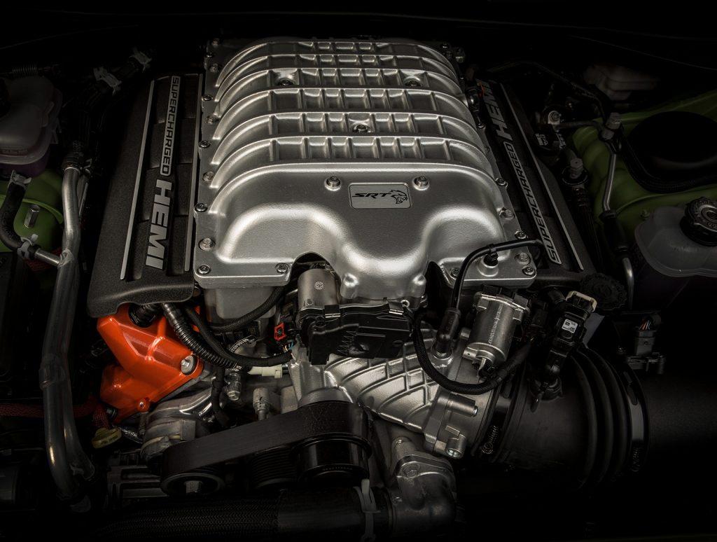 Dodge Challenger SRT Hellcat Redeye, двигатель