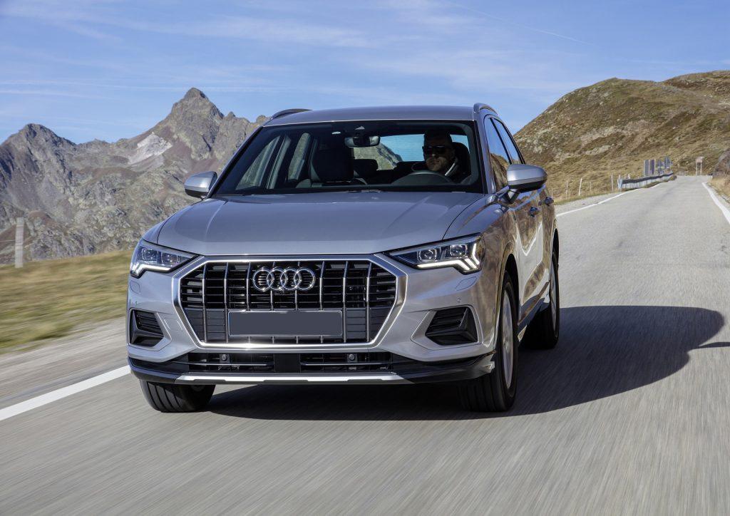 Audi Q3 2019, вид спереди