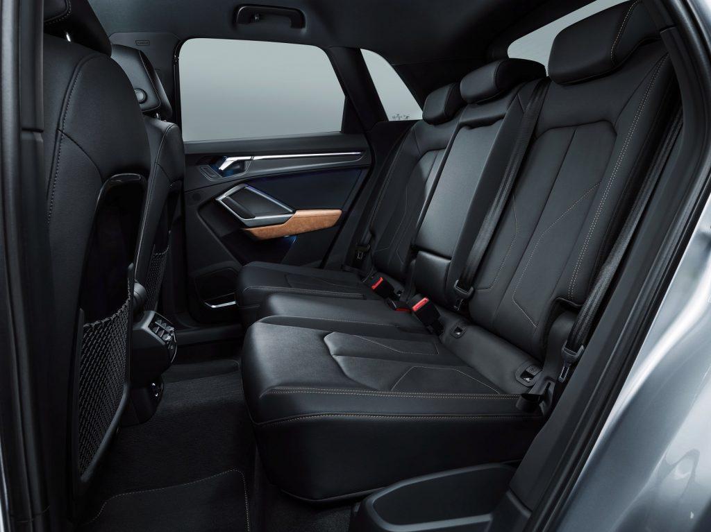 Новый Audi Q3, задние сиденья