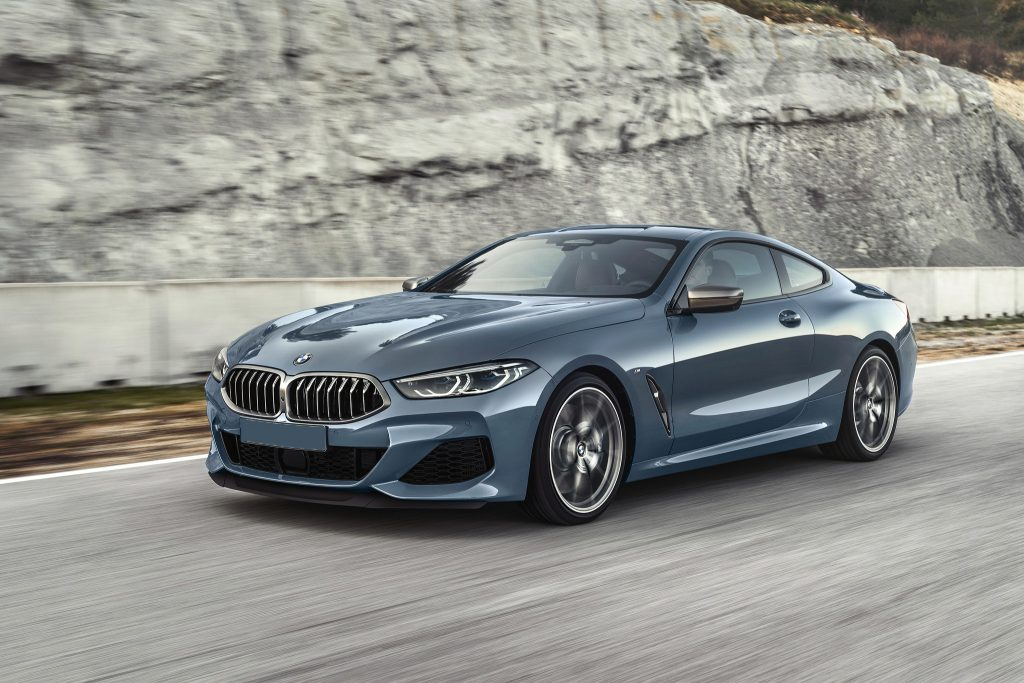 BMW 8 Series, вид на переднюю диагональ