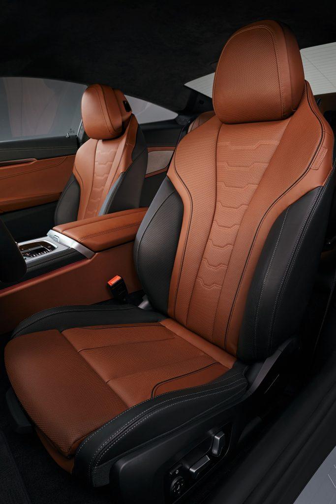 BMW 8 Series, передние сиденья