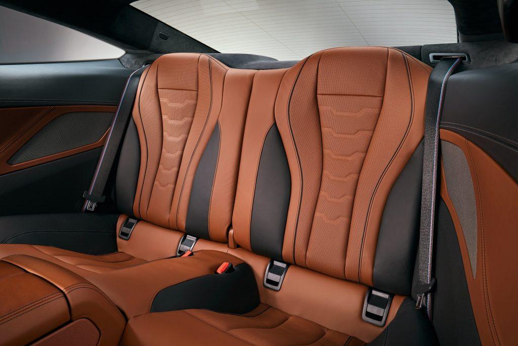 BMW 8 Series 2018, задние сиденья