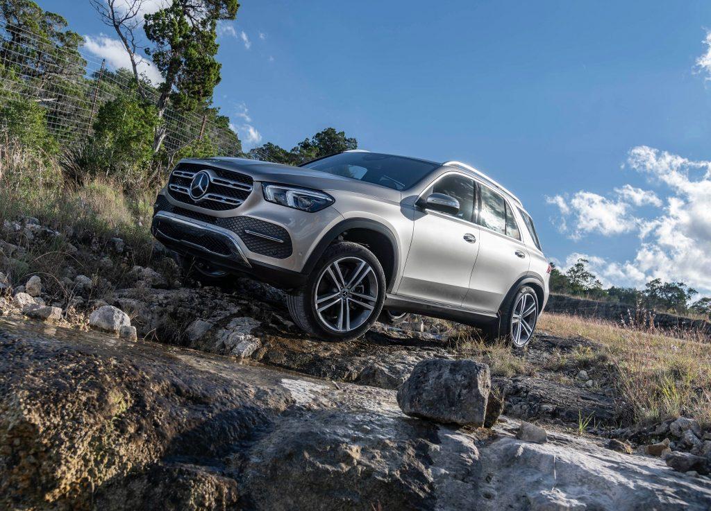 Mercedes-Benz GLE, вид на переднюю диагональ