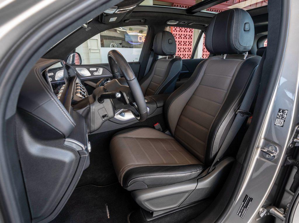 Mercedes-Benz GLE, передние сиденья
