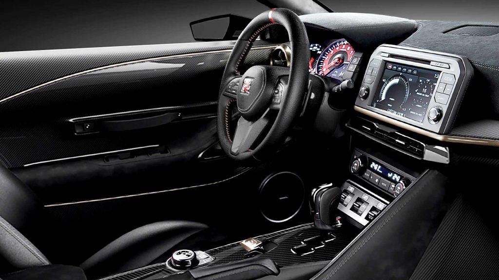 Nissan GT-R50 2019, передняя панель