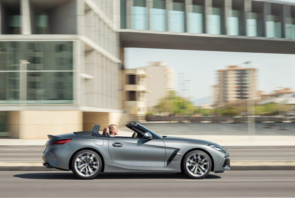 BMW Z4 2019, вид сбоку