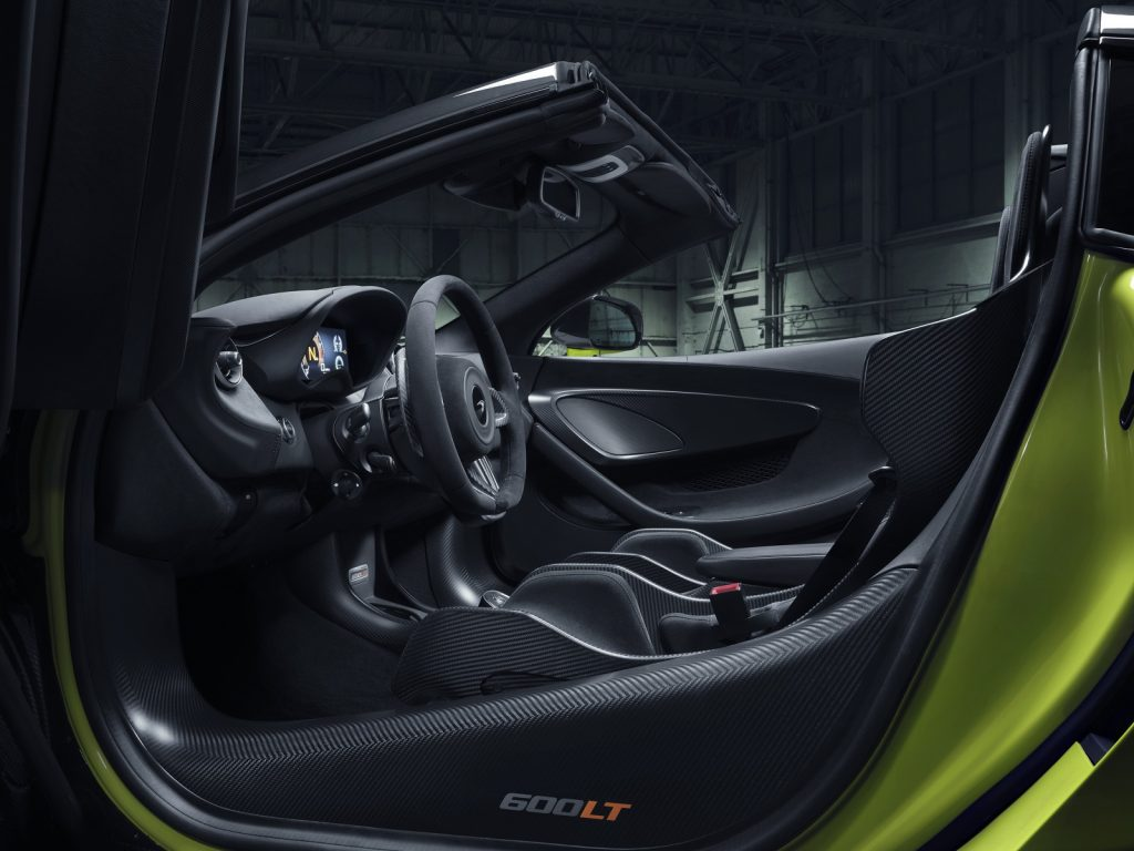 Новый McLaren 600LT Spider, салон